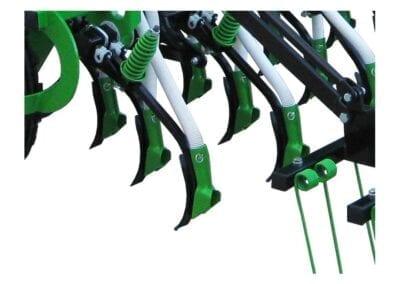 Brazos de siembra independientes en tres filas para reja y en dos filas para bota patín y disco